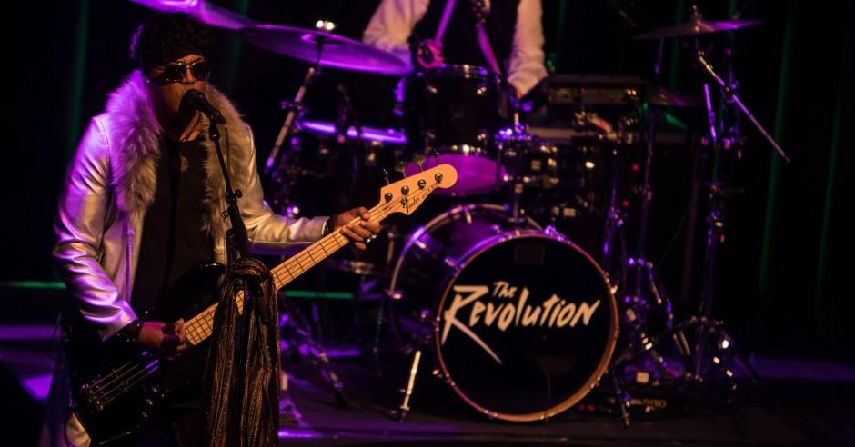 Bekijk de The Revolution - 10/02 - Paradiso foto's