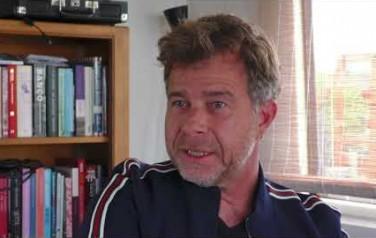 Video: Overlijden vader drukt grote stempel op album JW Roy