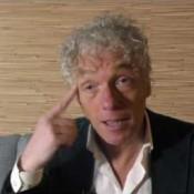 Ronnie Flex beïnvloed door Spinvis video