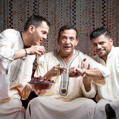 Najib Amhali samen met Rayen Panday en Anuar op tour met de Ramadan Conference