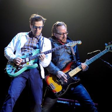 review: Weezer - 08/04 - Heineken Music Hall Weezer