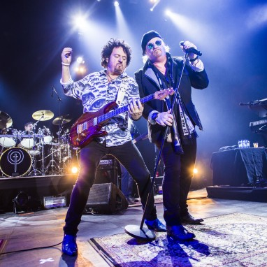 review: Toto - 11/2 - 013 Toto