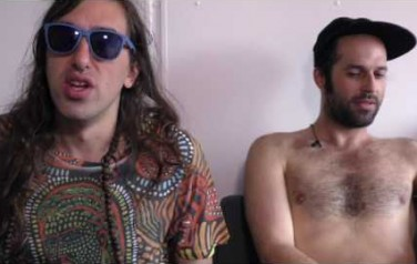 Video: Crystal Fighters negeert druk muziek industrie