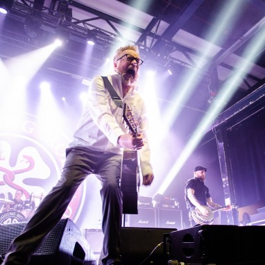 review: Flogging Molly - 16-01 - Klokgebouw Flogging Molly