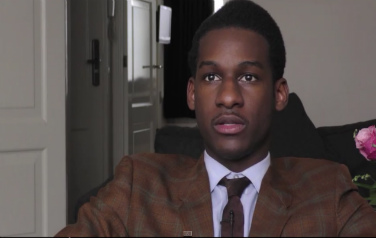 Video: Leon Bridges vindt moderne popmuziek over de top
