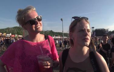 Video: Pinkpop-publiek wenst Dave Grohl een spoedig herstel toe