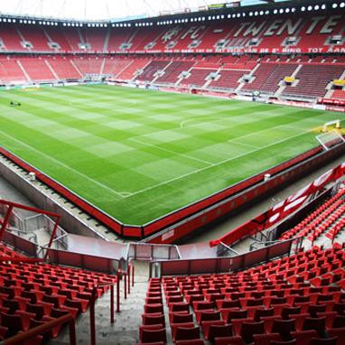 Ilse Delange Op Eerste Muziekevenement In Stadion Fc Twente Nieuws Op Festivalinfo