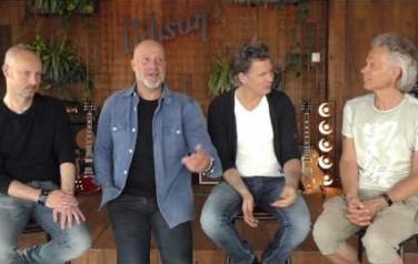 Video: Bløf ziet nieuwe generatie 'Bløffertjes' bij concerten