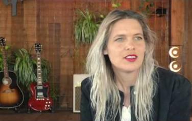 Video: Sue The Night wil niet teren op succes