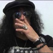 Video: Live spelen van 'levensbelang' voor Slash