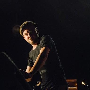 review: Nils Frahm - 15/02 - AFAS Live Nils Frahm