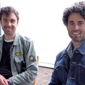 Rockband The Vaccines blij om niet langer onder constante druk te staan video