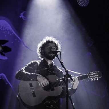 review: Jose Gonzalez - 10/12 - TivoliVredenburg José González