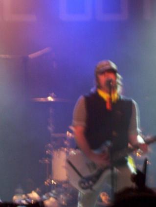 Fall Out Boy Melkweg gebruiker foto - Patrick Stump @Melkweg. 26-10-2008