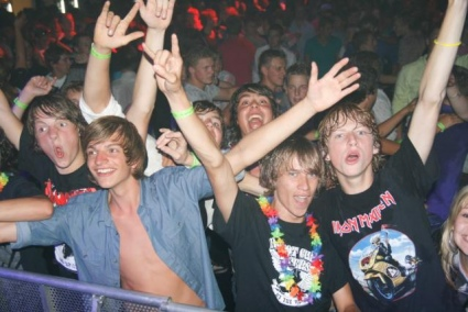 Foto: all friends together (concert: Iron Maiden Gelredome Winactie Gelredome